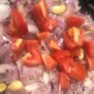 Tomaten dunsten